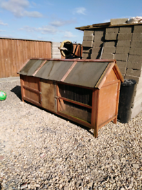 Chicken coop with two open Doors