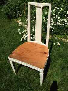 Set of 5 vintage dining chairs