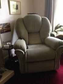 Luxurious Reclining chair