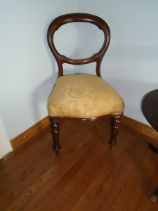 VICTORIAN PERIOD 1860 to 1901 Carved Wood BALLOON BACK Chair
