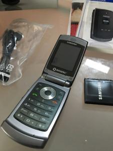 Samsung Flip Phone (SGH A516)