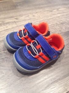 Stride Rite size 4 Toddler sneakers. Excellent condition.