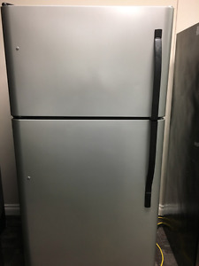 Kenmore stainless fridge - can deliver