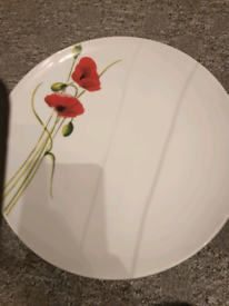 Alpine poppy dinner set