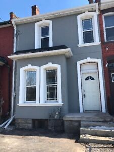 HOUSE RENTAL/HOUSE FOR RENT/DOWNTOWN//3 BEDROOM