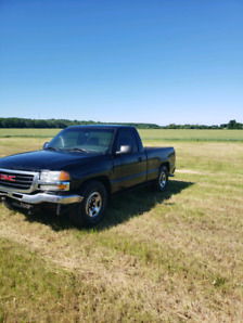 2000 Dodge ram 1500 and '03 GMC Sierra for sale as is