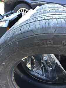 275/55R19 - 4 all season continental tires Kitchener / Waterloo Kitchener Area image 2