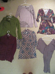 6 Women's Shirts Size Small. Clothes