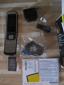 CELL FLIP NOKIA NEUF INCL BATTERIE CHARGEUR CARTE SIM BLUETOOTH