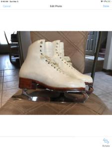 Figure Skates : Competitive Level