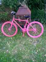 bicyclette rose a vendre 40$
