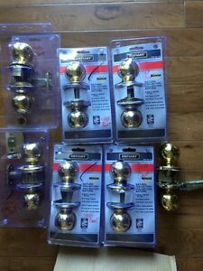 12 Matching Brass door knob sets;  7 passage, 5 privacy Peterborough Peterborough Area image 1