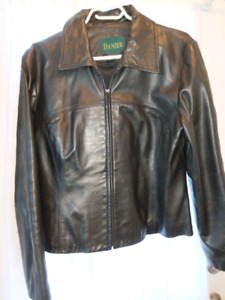 Womens leather coat Sise Med