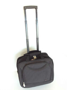 LAPTOP ROLLING BRIEFCASE.PREMIUM.STURDY.MANY COMPARTMENTS.AS NEW
