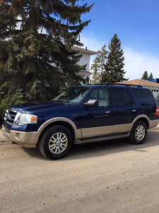 2011 Ford Expedition SUV, Crossover