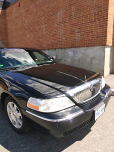 2009 Lincoln Town car L  in good condition 584650 km