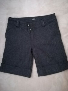 NEUF/ NEW- Warm Shorts for Winter