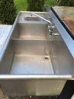 Commercial double sink with handwash