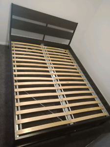 Bed frame queen 3 years old good condition