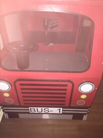 Table/ Toy bus