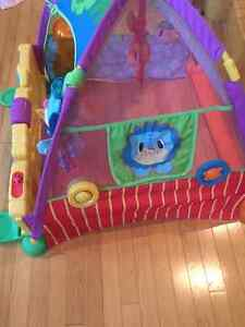 FUN Playskool Pop out TENT. MY BABY LOVED THIS TOY!!! Edmonton Edmonton Area image 2