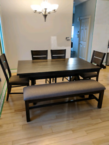 Kitchen table with 4 chairs and bench