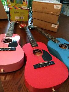 Guitares pour enfants NEUVES dans leur emballage d'origine