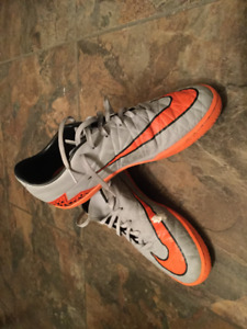 Nike Hypervenom Indoor Soccer Cleats Size 8