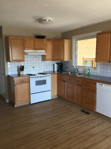 3 Bed Main Floor House - Across from Lethbridge College