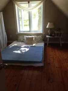 LAKEFRONT  Two Bedroom Cottage with private beach for sublet West Island Greater Montréal image 5
