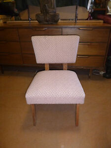Chairs, single and sets available Comox / Courtenay / Cumberland Comox Valley Area image 7
