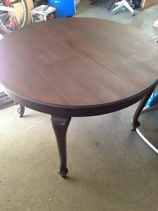 Early 1900's Knechtel dinning room table