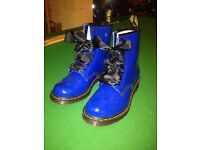 Dr Martin boots size 6 ladies