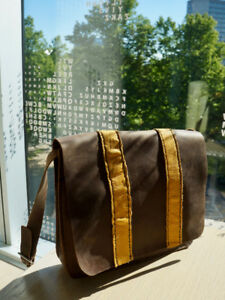 Leather messenger bag (new)