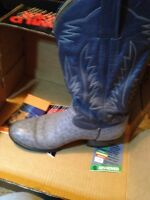 walking cowboy boots size 6