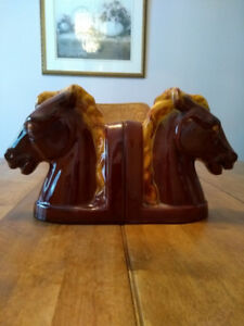 QUALITY HORSE HEAD BOOK ENDS