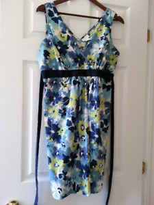 Beautiful maternity dress and top size L