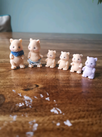Small plastic hamster family