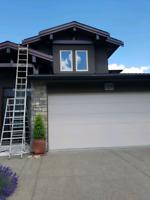 Interior/exterior painter offering free estimates