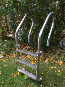 3 STEP IN-GROUND STAINLESS STEEL POOL LADDER