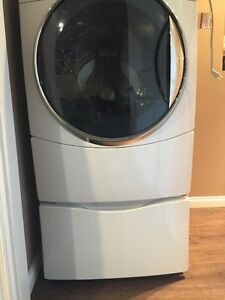 Kenmore washer and dryer pedastals