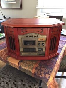 Vintage look radio/record/cd player