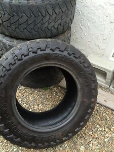 37x13.5r20lt Toyo open country mt