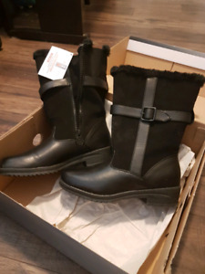 Brand New Woman's Winter Boots