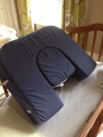 Twin feeding pillow