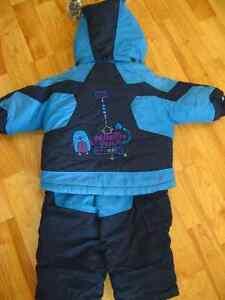 Manteau et pantalon hiver 12 mois Saint-Hyacinthe Québec image 2