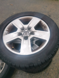 17inch Audi alloys on 215/55 one good tyre