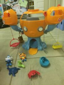 Octanaughts playset with figures