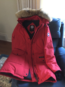 Canada Goose Trillium Parka Large like new!