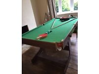 6ft pool table with accessories